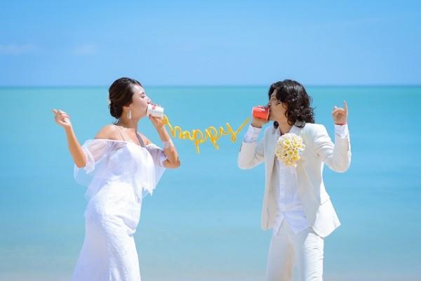 挙式後、ジンバランビーチでフォトツアー